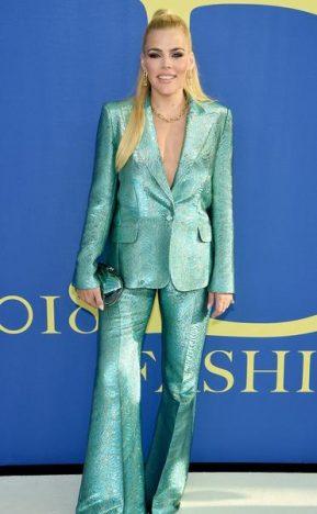 339120 797419 tracee ellis ross busy philipps cfda fashion awards 05 web  289x468 - Naomi Campbell no CFDA Fashion Awards 2018