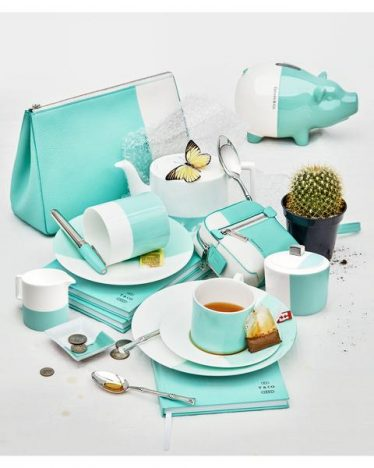 339739 800232 still life of marker 4494 web  374x468 - Tiffany & Co. anuncia nova coleção Home & Accessories