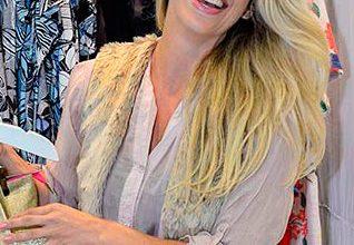 Karina Bacchi label Daniela Tombini88 318x220 - Karina Bacchi no lançamento da coleção de verão de Daniela Tombini
