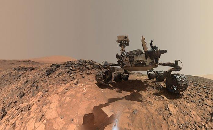 O veículo Curiosity explora a superfície de Marte - Nasa encontra matéria orgânica em Marte