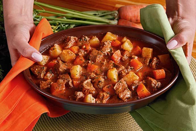 PICADINHO DE CARNE - Receitas: picadinho de carne e arroz integral com castanhas