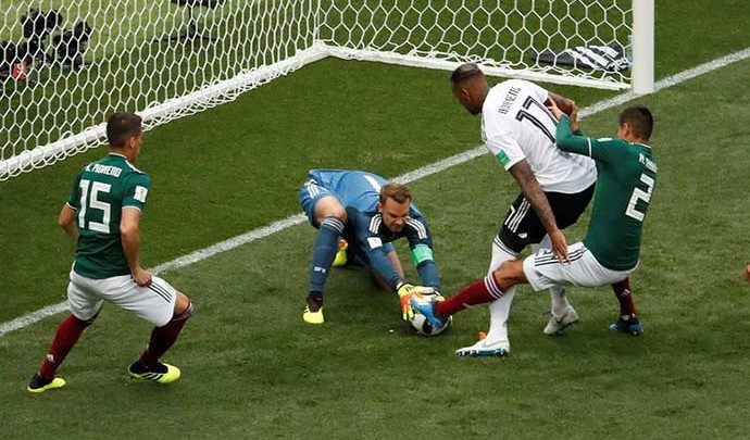 alemanha goleiro 690x405 - Alemanha entra em campo sob pressão no 10º dia da Copa