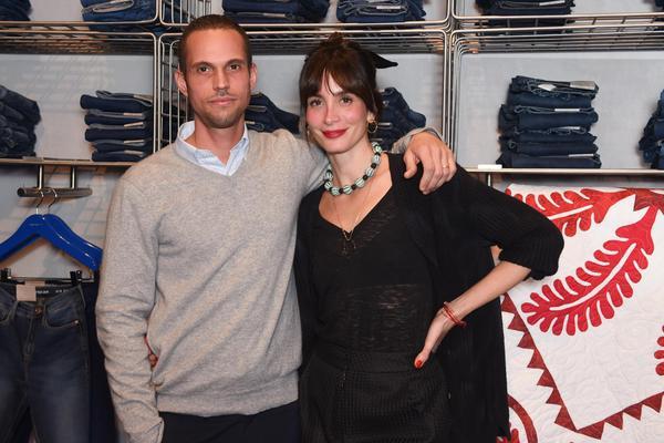 carolina bittencourt e cedrick roche 574 web  - Calvin Klein inaugura primeira flagship store em São Paulo