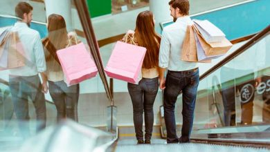 compras presentes homens mulheres Dia dos Namorados pesquisa Fecomércio RS 390x220 - Homens vão gastar mais em presentes neste Dia dos Namorados no RS