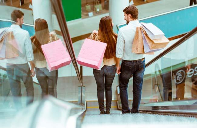 compras presentes homens mulheres Dia dos Namorados pesquisa Fecomércio RS - Homens vão gastar mais em presentes neste Dia dos Namorados no RS