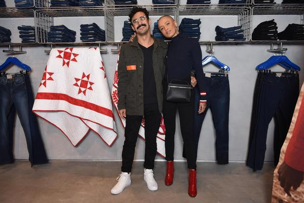 cris paladino e raphael mamberti 0097   vestem calvin klein web  - Calvin Klein inaugura primeira flagship store em São Paulo