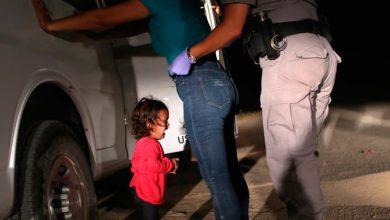 eua bebe 390x220 - Imagens de crianças separadas dos pais chocam os EUA