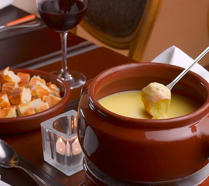 fondue de queijo - Receita de inverno - Fondue de Queijo