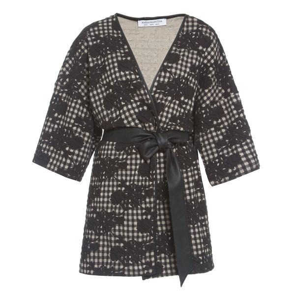 341237 805772 maria valentina   kimono r 429 90 web  - Maria Valentina seleciona peças para o look de inverno