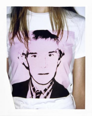 341421 806464 fa18 ckj w aw sp ss crewneck tee pink r 179 00 web  371x468 - Calvin Klein Jeans apresenta coleção cápsula Andy Warhol
