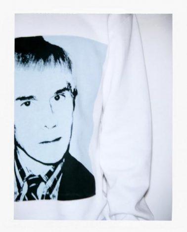 341421 806469 fa18 ckj m aw sp moletom sem capuz branco r 359 web  378x468 - Calvin Klein Jeans apresenta coleção cápsula Andy Warhol