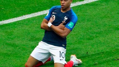 Mbappé 390x220 - França e Bélgica jogam primeira semifinal da Copa em São Petersburgo