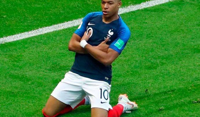 Mbappé 690x405 - França e Bélgica jogam primeira semifinal da Copa em São Petersburgo