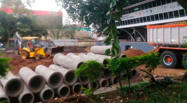 Obras da Praça do Imigrante estão em fase de drenagem - Obras da Praça do Imigrante estão em fase de drenagem