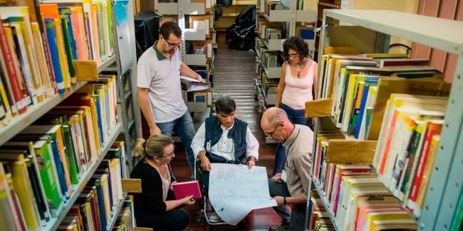 Prédio da Biblioteca Machado de Assis recebe reforma - Prédio da Biblioteca Machado de Assis recebe reforma