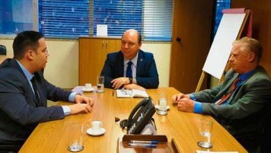 Reunião em Brasília entre o diretor geral da Comusa Marcio Lüders 390x220 - Comusa assegura investimentos de R$ 100 milhões para o tratamento de esgoto