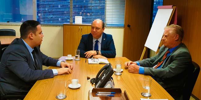 Reunião em Brasília entre o diretor geral da Comusa Marcio Lüders - Comusa assegura investimentos de R$ 100 milhões para o tratamento de esgoto