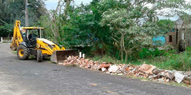 Ruas do bairro Canudos recebem limpeza pela Secretaria de Obras - Ruas do bairro Canudos recebem limpeza pela Secretaria de Obras