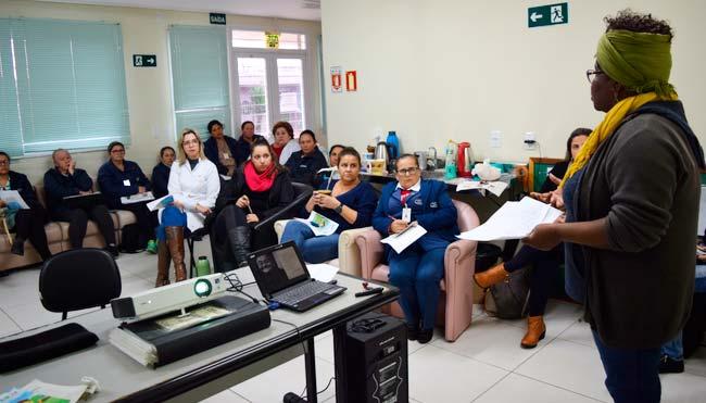 Site 33 - Equipe da USF Palmeira recebe capacitação sobre o acolhimento de pessoas com deficiência