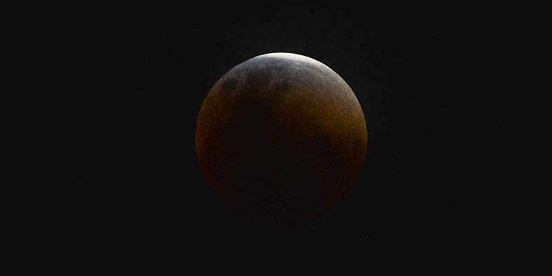 eclipse lunar marcello casal jr abr - Lua de Sangue: Eclipse total da Lua ocorre hoje