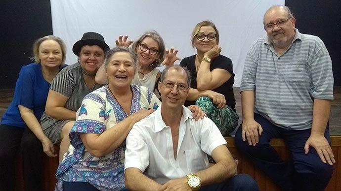 foto grupo hoste da julieta - Casa de Cultura Mario Quintana oferece oficina de teatro para a maturidade