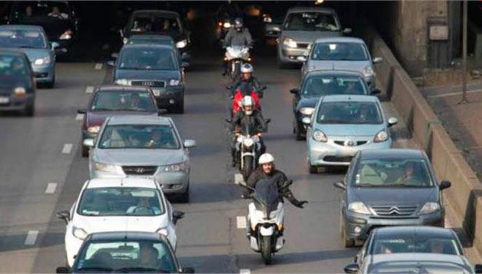 moto e carro - Maioria dos brasileiros não planejam gastos com transporte