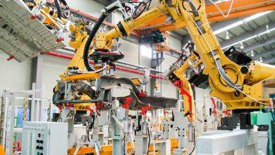 robos industriais 390x220 - Profissões que estão surgindo com a indústria 4.0