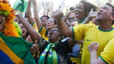 torcida 390x220 - Brasil e Bélgica buscam vaga na semifinal; França encara o Uruguai