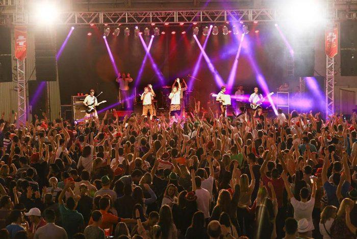Bierville 2 700x468 - Festa da cerveja de Joinville terá desfile, rótulos artesanais e estacionamento gratuito