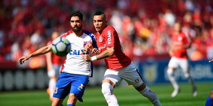 Inter bate o Paraná nos minutos finais e entra na briga pela liderança 2 700x350 - Inter bate o Paraná nos acréscimos e assume vice-liderança