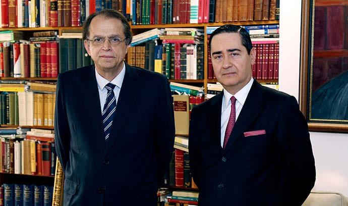Ministro do Trabalho Caio Vieira de Mello E e o presidente do TRF4 desembargador federal Thompson Flores - Ministério do Trabalho utilizará sistema de informações do TRF-4