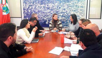 Prefeita Fátima Daudt volta a receber representantes da ACI 390x220 - Prefeita Fátima Daudt recebe representantes da ACI para tratar de desburocratização e simplificação
