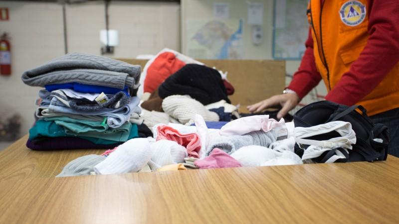campanha agasalho - Campanha do Agasalho: faltam roupas infantis, cobertores e alimentos