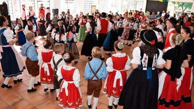 dia folclorico dois irmãos 390x220 - Dia Folclórico reúne mais de 500 dançarinos em Dois Irmãos