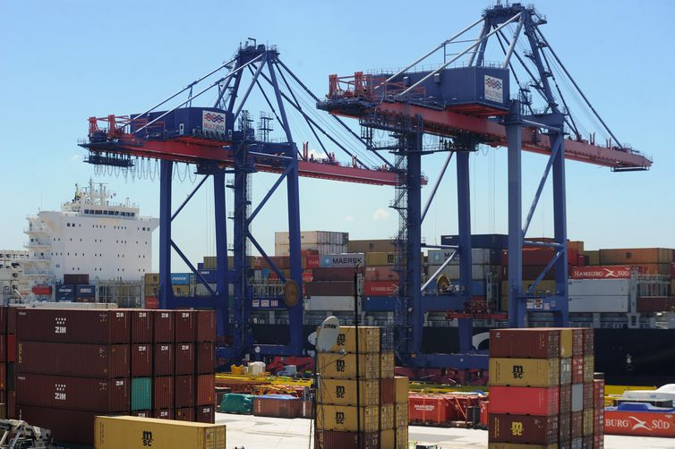 exportação - Exportação de empresa brasileiras cresce 60% em 20 anos