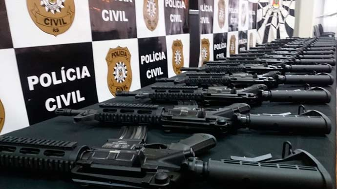 fuzis Policia civil - Instituto Cultural Floresta doa fuzis para a Polícia Civil gaúcha