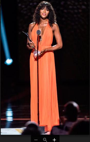 naomi   calvin klein web  - Naomi Campbell veste Calvin Klein