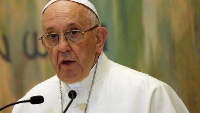 papa 390x220 - Papa pede reflexão aos países europeus sobre imigrantes