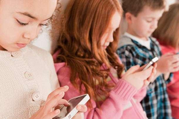 tecno - Artigo: O novo brincar, um desafio para a saúde física, social e mental