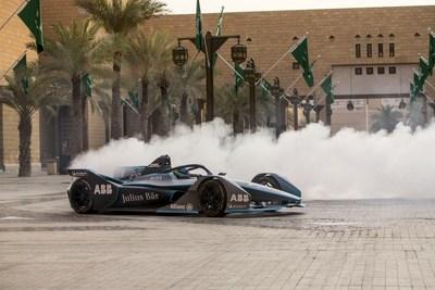 ABB FIA Fórmula E1 - Arábia Saudita lança novo processo de visto com evento de Fórmula E