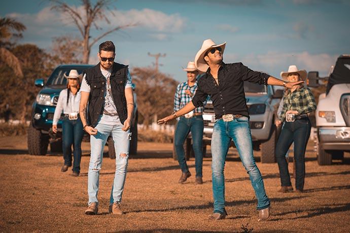 Bruto Memo - Bruto Memo, da dupla Bruno & Barretto, conquista single de ouro