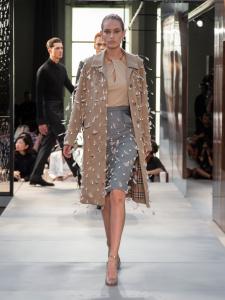 Burberry Spring Summer 2019 Collection Look 44 - Riccardo Tisci apresenta sua primeira coleção para a Burberry