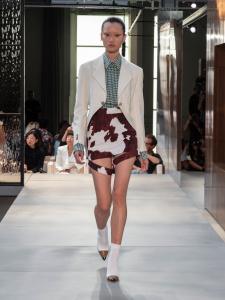 Burberry Spring Summer 2019 Collection Look 78 - Riccardo Tisci apresenta sua primeira coleção para a Burberry