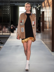 Burberry Spring Summer 2019 Collection Look 87 - Riccardo Tisci apresenta sua primeira coleção para a Burberry