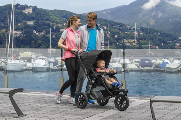 Chicco apresenta carrinho de passeio para pais esportistas - Chicco lança carrinho de passeio para pais esportistas