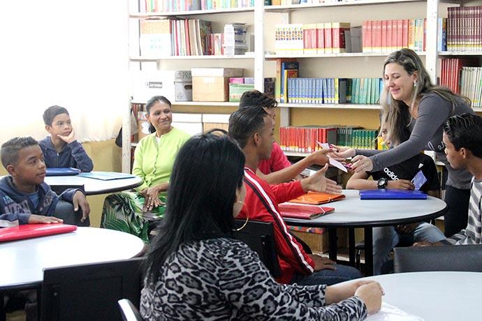 CriancasVenezuelanas - Venezuelanos começam aulas em escolas de Esteio