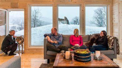 Revista News Dormindo-com-os-animais-do-ártico-1024x576-390x220 Três passeios bem diferentes para fazer no norte da Noruega