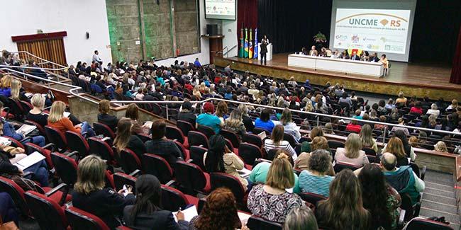Encontro Estadual da UNCME RS debate Conselhos Municipais de Educação - Encontro Estadual da UNCME-RS debate Conselhos Municipais de Educação
