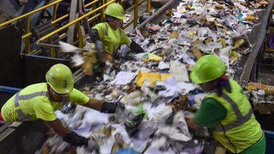Reciclagem de lixo domiciliar 390x220 - Gestão de resíduos está na pauta dos candidatos nas eleições 2018?