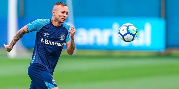 gremioa enfrenta ceara - Grêmio treinou no sábado para enfrentar o Ceará na Arena
